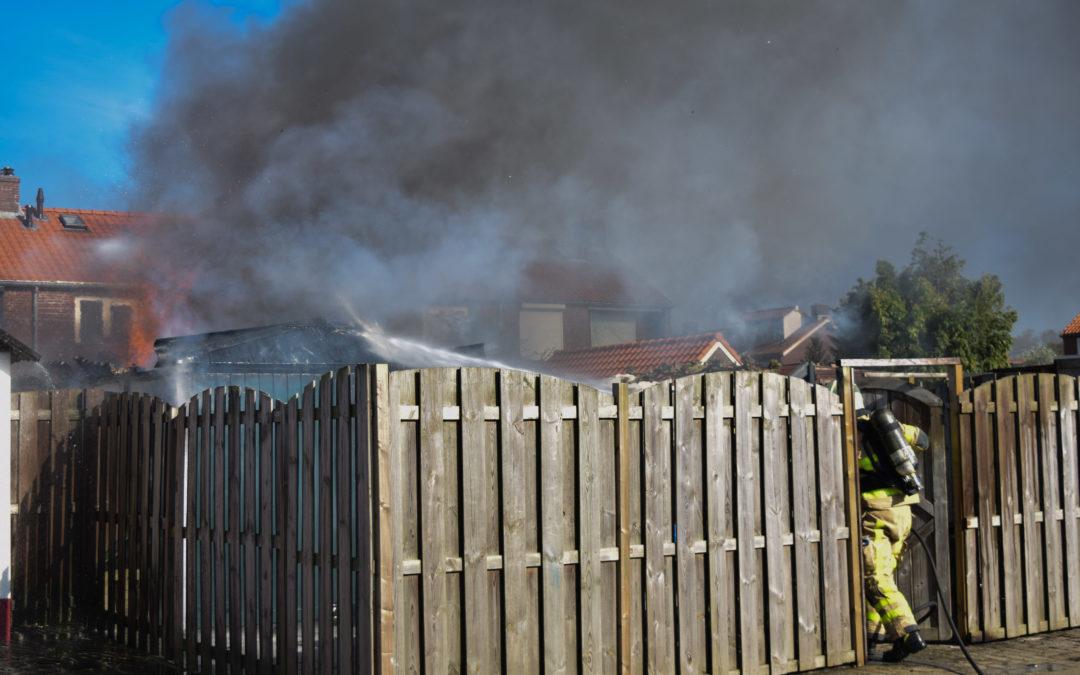 Asbest vrijgekomen bij schuurbrand, schuur is verloren