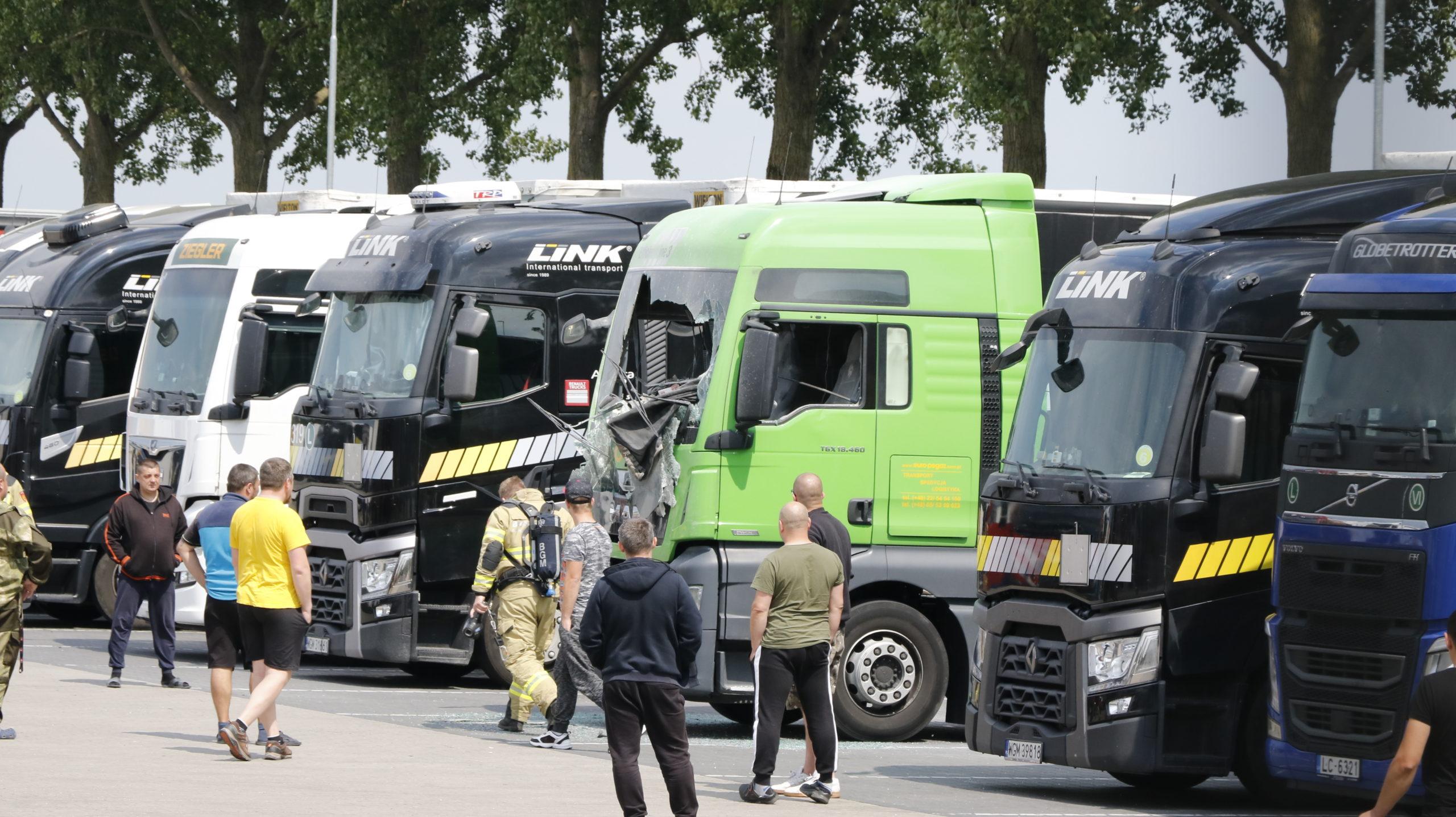 Veel schade na brand vrachtwagen.