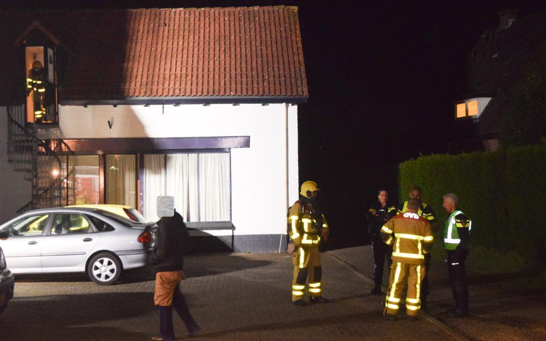 Vlam in de pan, bewoners blussen brandje zelf (video).