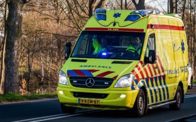 Bestuurder wordt onwel achter het stuur van zijn auto nabij Doetinchem