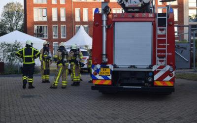 Brandweer rukt uit voor het bevrijden van een persoon van het toilet