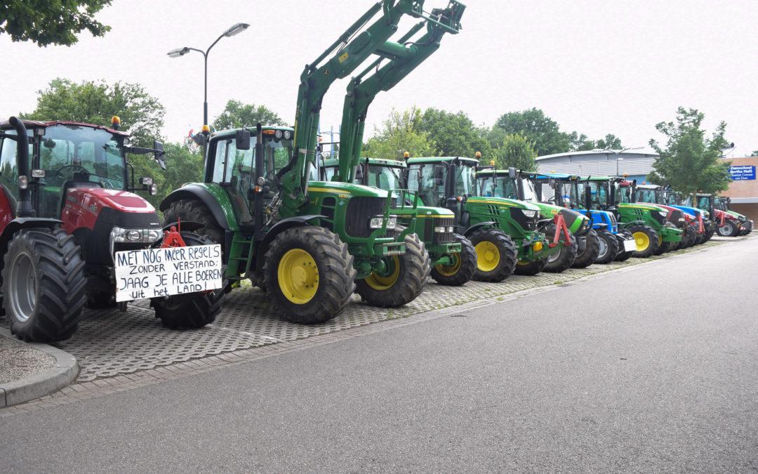 Boeren protesteren op meerdere plekken in Doetinchem, aangifte tegen minister Carola Schouten