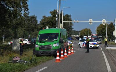 Fietsster gewond bij aanrijding met bedrijfsbus