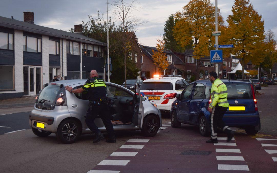 Voorrangsfout lijdt tot aanrijding, geen gewonden wel veel materiële schade aan voertuigen