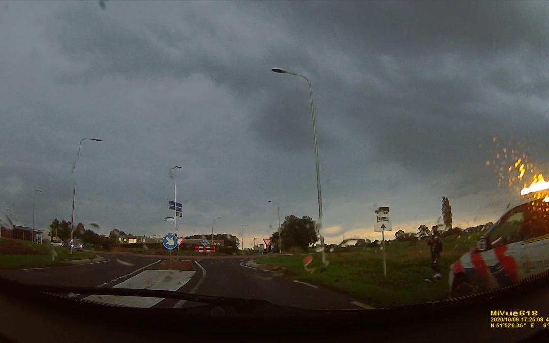 Motorrijder (24) en passagier aangehouden na dollemansrit
