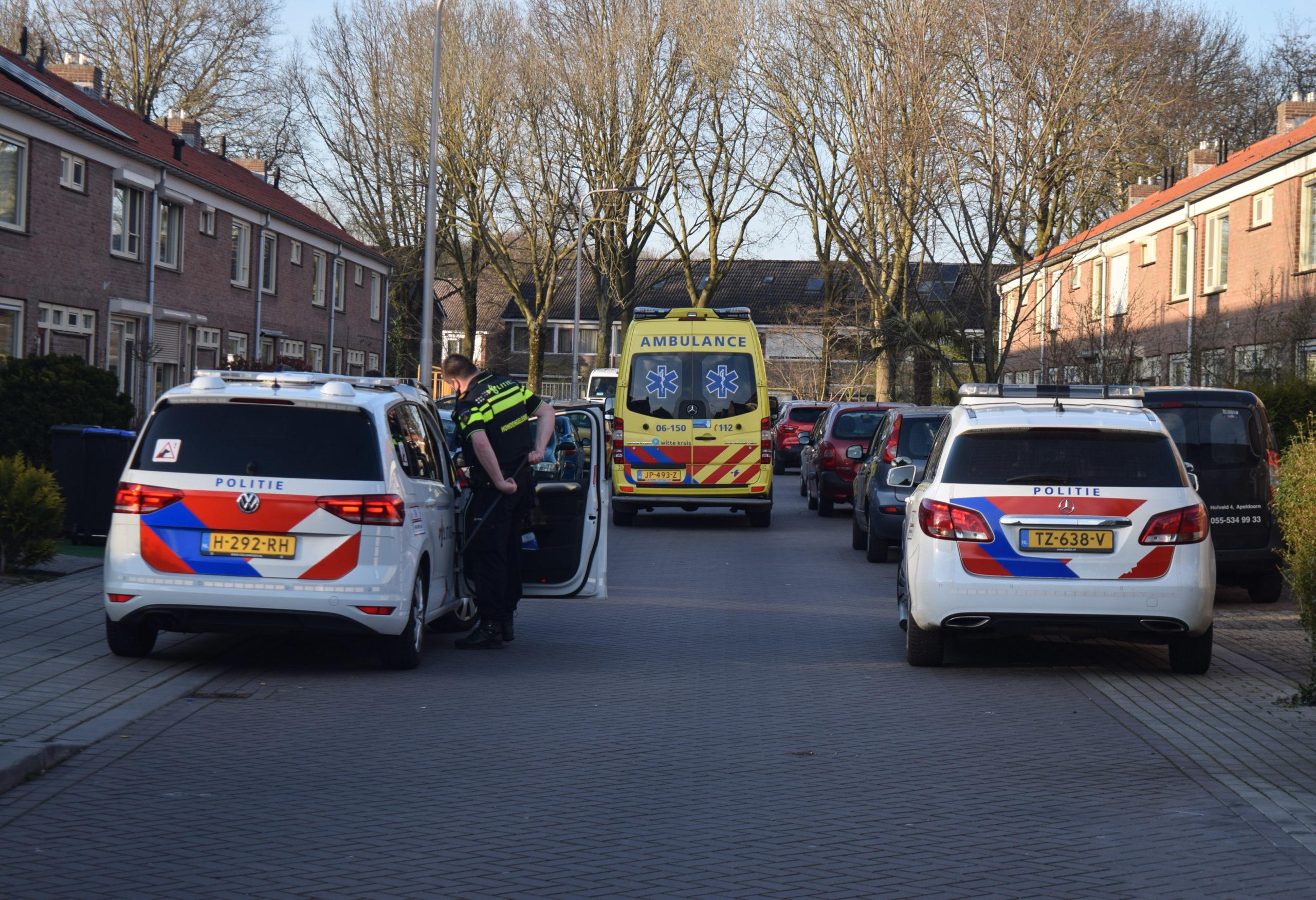 Politie rukt met meerdere eenheden uit voor incident in woning